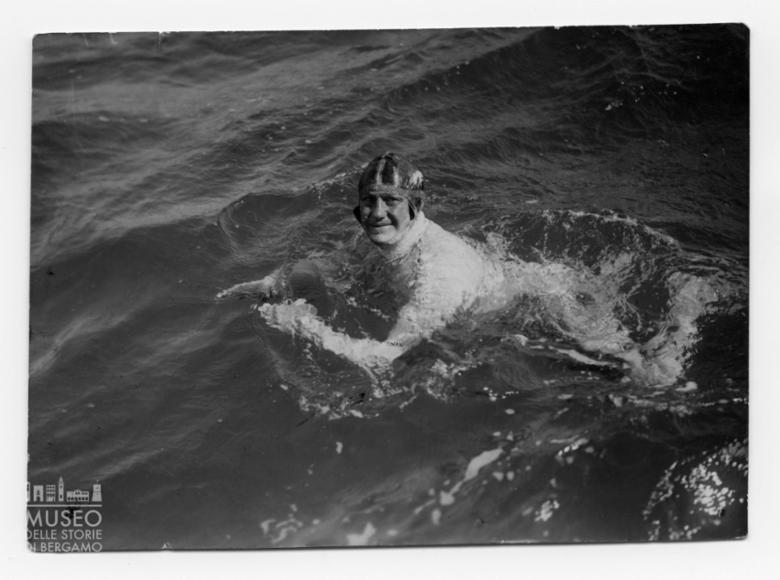Enrico Tiraboschi durante l'attraversamento a nuoto de La Manica
