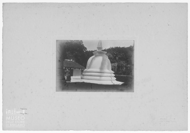 Monumento buddista a Kandy (Sri Lanka)