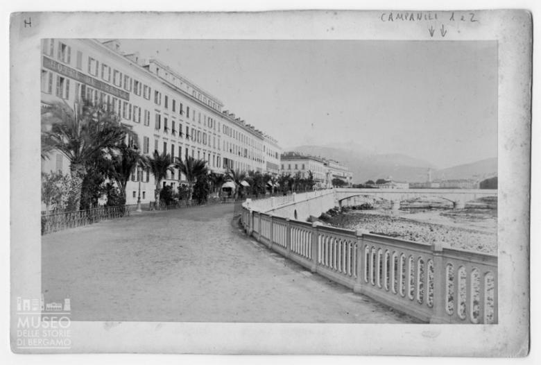 Lungomare di Nizza e facciata dell'Hotel de France