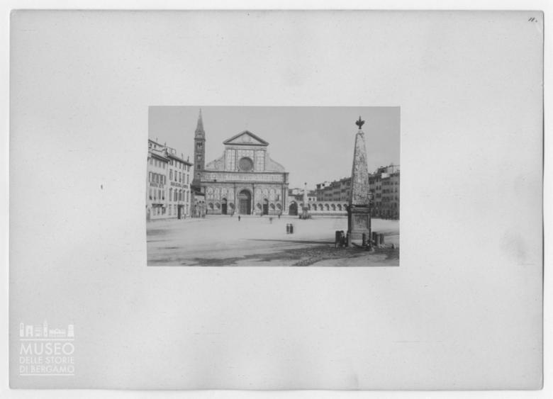 Veduta della facciata della Basilica di Santa Maria Novella a Firenze