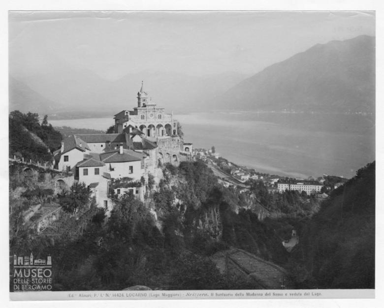 Veduta del Lago Maggiore e del Santuario della Madonna del Sasso