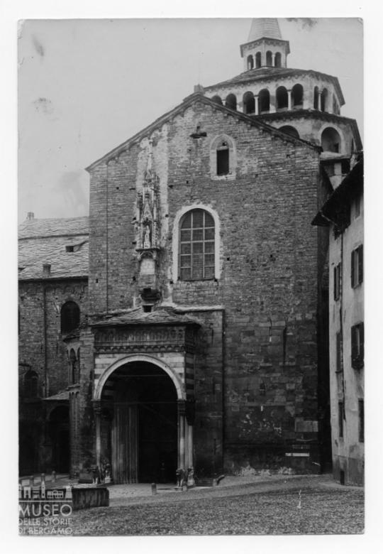 Basilica di Santa Maria Maggiore, porta dei Leoni bianchi