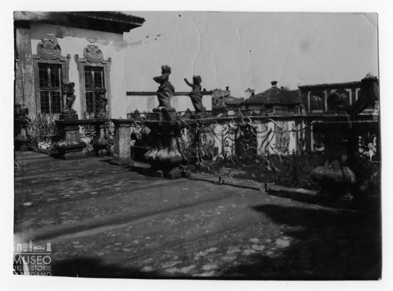 Palazzo Nuovo: terrazzo sopra il porticato d'ingresso