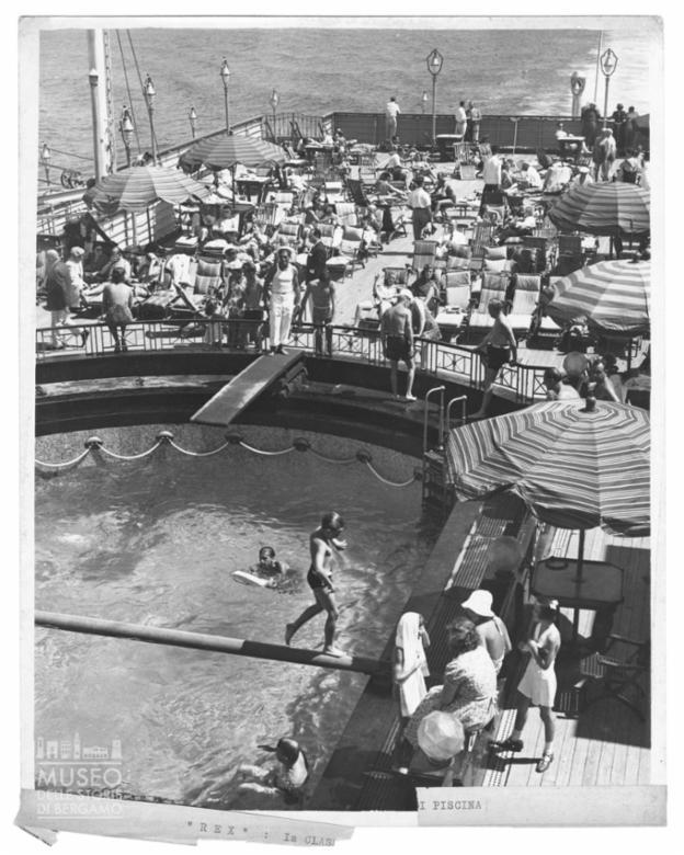 Scorcio della piscina di Prima Classe a bordo del Rex
